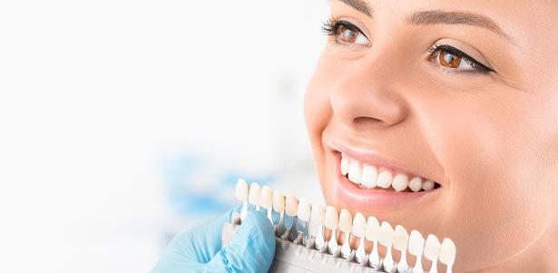 Ультразвуковая чистка зубов, лечение среднего кариеса и установка пломбы на 1, 2 или 3 зуба в стоматологической клинике «Кудесник». **Скидка до 73%**